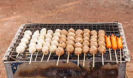 Vleesballetje en hotdog Stock Afbeeldingen
