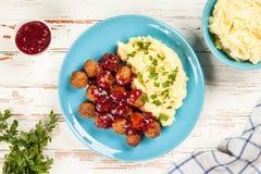 Vleesballetjes en fijngestampte aardappels Royalty-vrije Stock Afbeeldingen