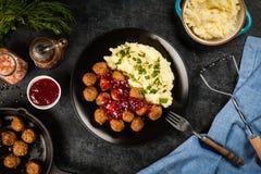 Vleesballetjes en fijngestampte aardappels Stock Afbeelding