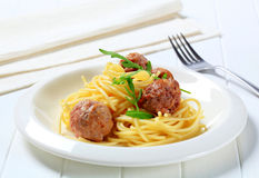 Vleesballetjes en spaghetti royalty-vrije stock foto