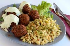 Vleesballetjes met saus stock afbeeldingen