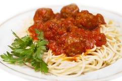 Vleesballetjes met spaghetti Stock Afbeeldingen