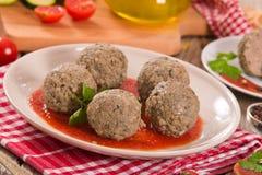 Vleesballetjes met tomatensaus royalty-vrije stock afbeeldingen