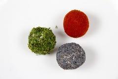 Vleesballetjes in peterselie en papaverzaden worden verpakt dat Royalty-vrije Stock Afbeeldingen