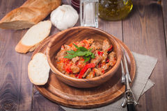 Vleeshutspot met groenten royalty-vrije stock afbeeldingen