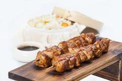 Vleespennen met sojasaus en rijst Stock Afbeeldingen