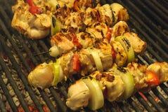 Vleespennen op de grill Royalty-vrije Stock Fotografie