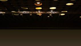 Vleklichten in bioskoopzaal op plafond royalty-vrije stock afbeeldingen