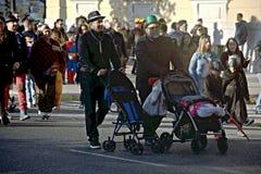 Vleselijk Cadiz Mensen in straat 65 Stock Foto's