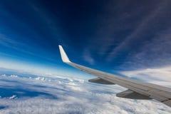 Vleugel van een vliegtuig Stock Foto's
