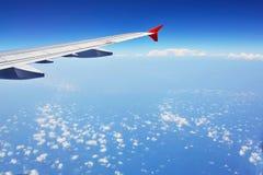 Vleugel van een vliegtuig Royalty-vrije Stock Foto's