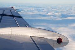 Vleugelvliegtuigen tijdens de vlucht Stock Fotografie