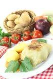 Välfylld kål med potatisar och slarvsylta Royaltyfria Bilder