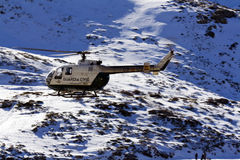 Vliegend aan ongeval de Spaanse Guardia Civilhelikopter Stock Foto's