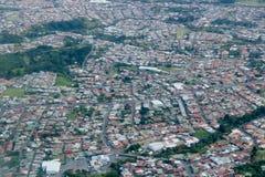 Vliegend aan San Jose, Costa Rica Royalty-vrije Stock Afbeelding