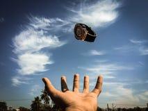 Vliegend horloge royalty-vrije stock fotografie