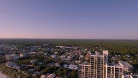 Vliegend over de stranden van Zuidenstrand, Miami, Florida stock videobeelden