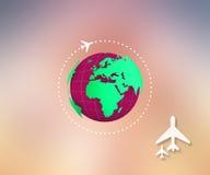 Vliegend vliegtuig rond de wereld De het vliegtuigroute van het wegvliegtuig Aardepictogram Het Toerismeconcept 22 JULI 2017 van  Stock Fotografie