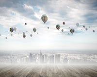 Vliegende ballons Stock Afbeeldingen