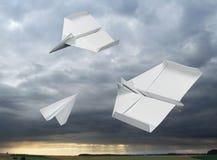 Vliegende document vliegtuigen royalty-vrije stock fotografie