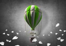 Vliegende hete luchtballon in de ruimte Royalty-vrije Stock Afbeelding