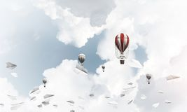 Vliegende hete luchtballons in de lucht Royalty-vrije Stock Afbeelding