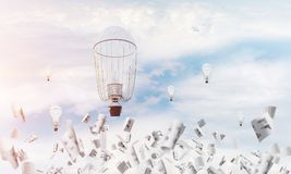 Vliegende hete luchtballons in de lucht Stock Afbeeldingen
