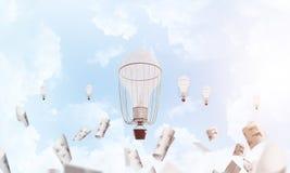 Vliegende hete luchtballons in de lucht Stock Afbeelding