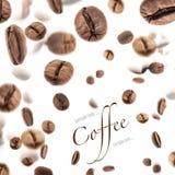 Vliegende koffiebonen Stock Fotografie