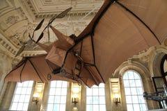 Vliegende machine - het Museum Parijs Frankrijk van de Uitvinding Stock Afbeeldingen