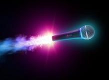 Vliegende microfoon Stock Afbeeldingen