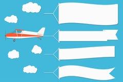 Vliegende reclamebanner Vliegtuig met horizontale banners op blauwe hemelachtergrond vector illustratie