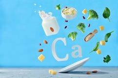 Vliegende voedselrijken in calcium stock afbeelding