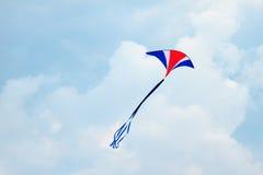 Vlieger in de hemel royalty-vrije stock afbeeldingen