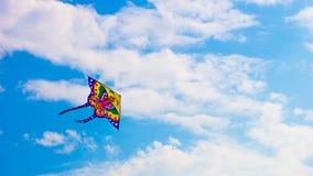Vlieger in de hemel van Rusland stock afbeelding