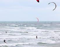 Vlieger die in Brighton surfen royalty-vrije stock fotografie