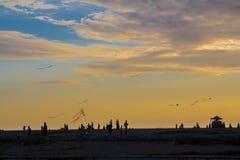 Vliegers in de hemel Stock Foto's