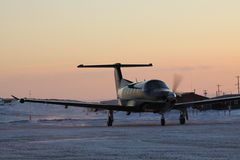 Vliegtuig in Arviat Royalty-vrije Stock Afbeeldingen