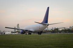 Vliegtuig BOEING 737 Royalty-vrije Stock Afbeeldingen