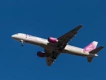 Vliegtuig Boeing 757-200, VIM Airlines Stock Afbeeldingen