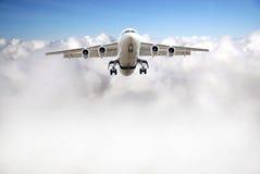 Vliegtuig boven hemel Royalty-vrije Stock Foto's