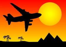 Vliegtuig boven piramides Royalty-vrije Stock Foto
