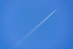 Vliegtuig contrail Stock Foto's