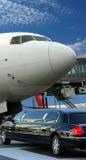 Vliegtuig dat voor vertrek voorbereidingen treft Stock Afbeeldingen