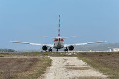 Vliegtuig dat weg ltaking royalty-vrije stock foto's