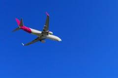 Vliegtuig in de lucht Stock Fotografie