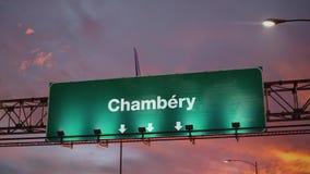 Vliegtuig die Chambéry landen tijdens een prachtige zonsopgang frans vector illustratie