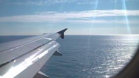 Vliegtuig die met het water landen stock videobeelden
