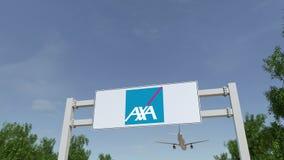 Vliegtuig die over de reclame van aanplakbord met AXA-embleem vliegen Redactie 3D het teruggeven 4K klem stock videobeelden