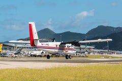 Vliegtuig die voor start voorbereidingen treffen royalty-vrije stock afbeelding